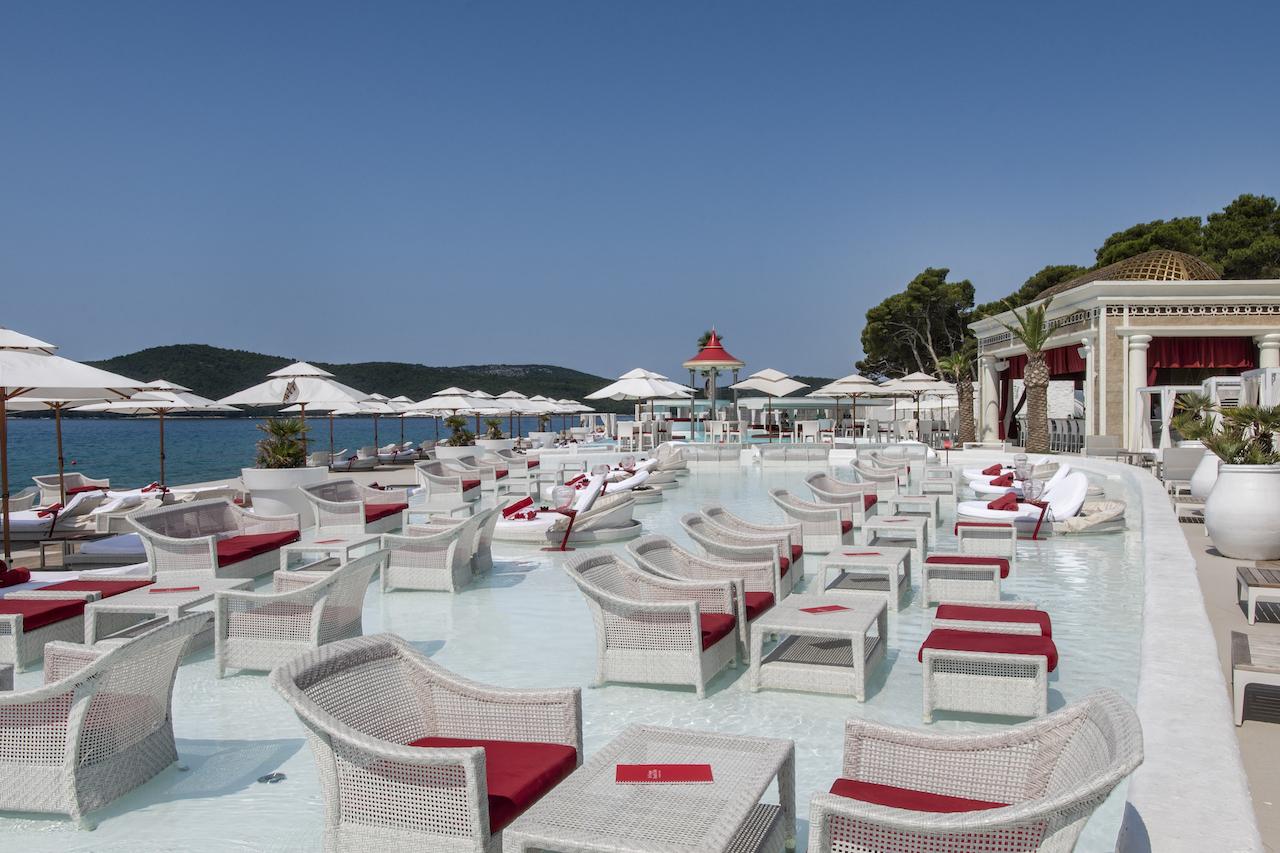 AP-DIR-SIBENIK-TAIB-En-Vogue-Beach-Club-004